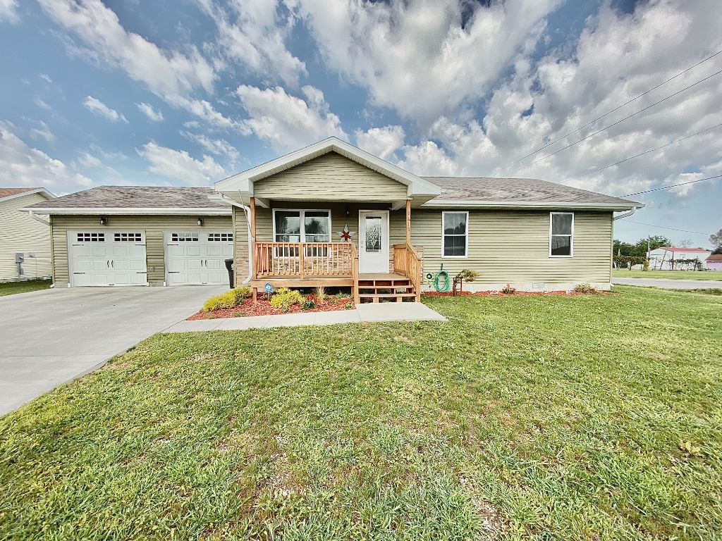Move-In Ready Home on Large Corner Lot Kirksville, MO